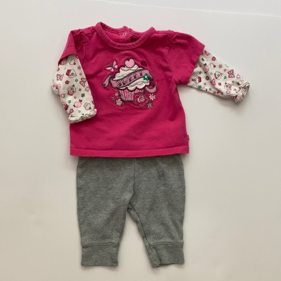 2 PIECE INFANT OUTFIT Size 0-3 months